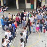 Preparando la Semana Santa y la Pascua en el colegio de Bello (Colombia)